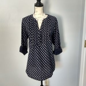 Women's 3 button blouse with pretty pattern